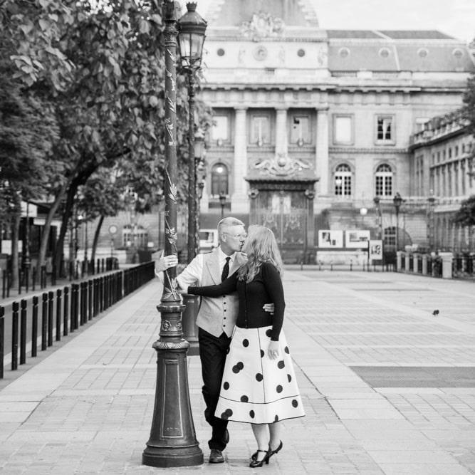 Paris-anniversary-photo-session-photographer-france-engagement