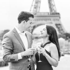 Paris-eiffel-tower-engagement-photo-session-photographer-france
