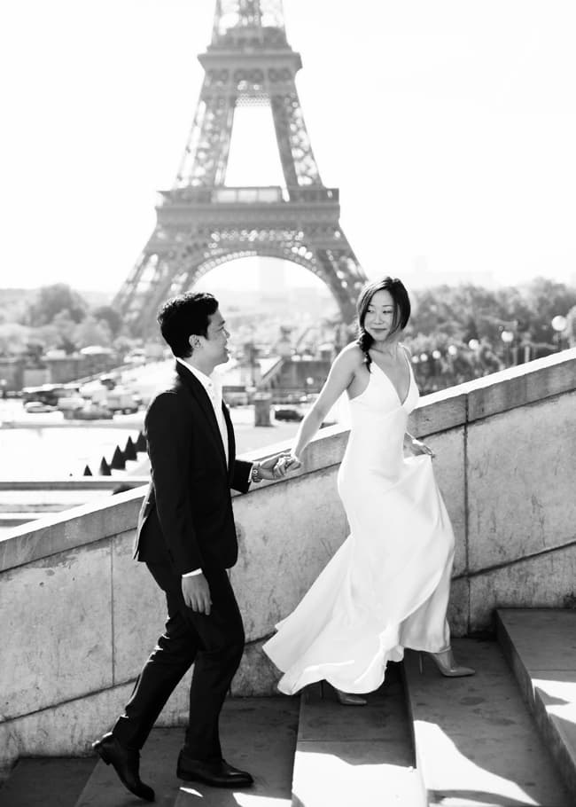 Marie Calfopoulos engagement photographer couple Paris