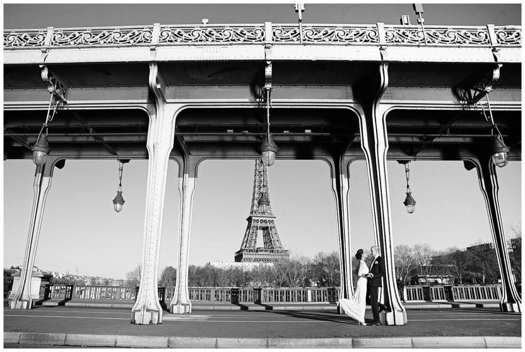 Locations for a Paris photo session: Bir Hakeim Bridge