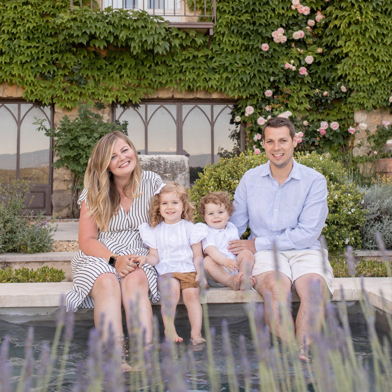 Provence family photoshoot in Menerbes, Luberon