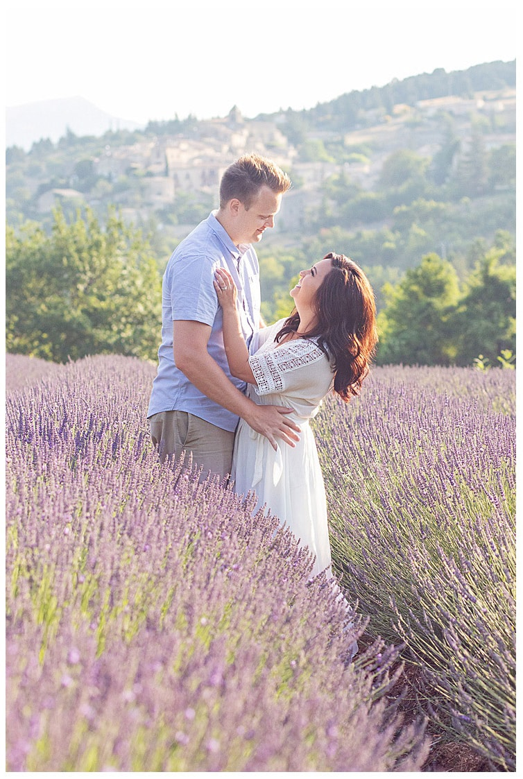 Marie Calfopoulos Photographer Provence Luberon Avignon couple anniversary engagement lavender fields Sault