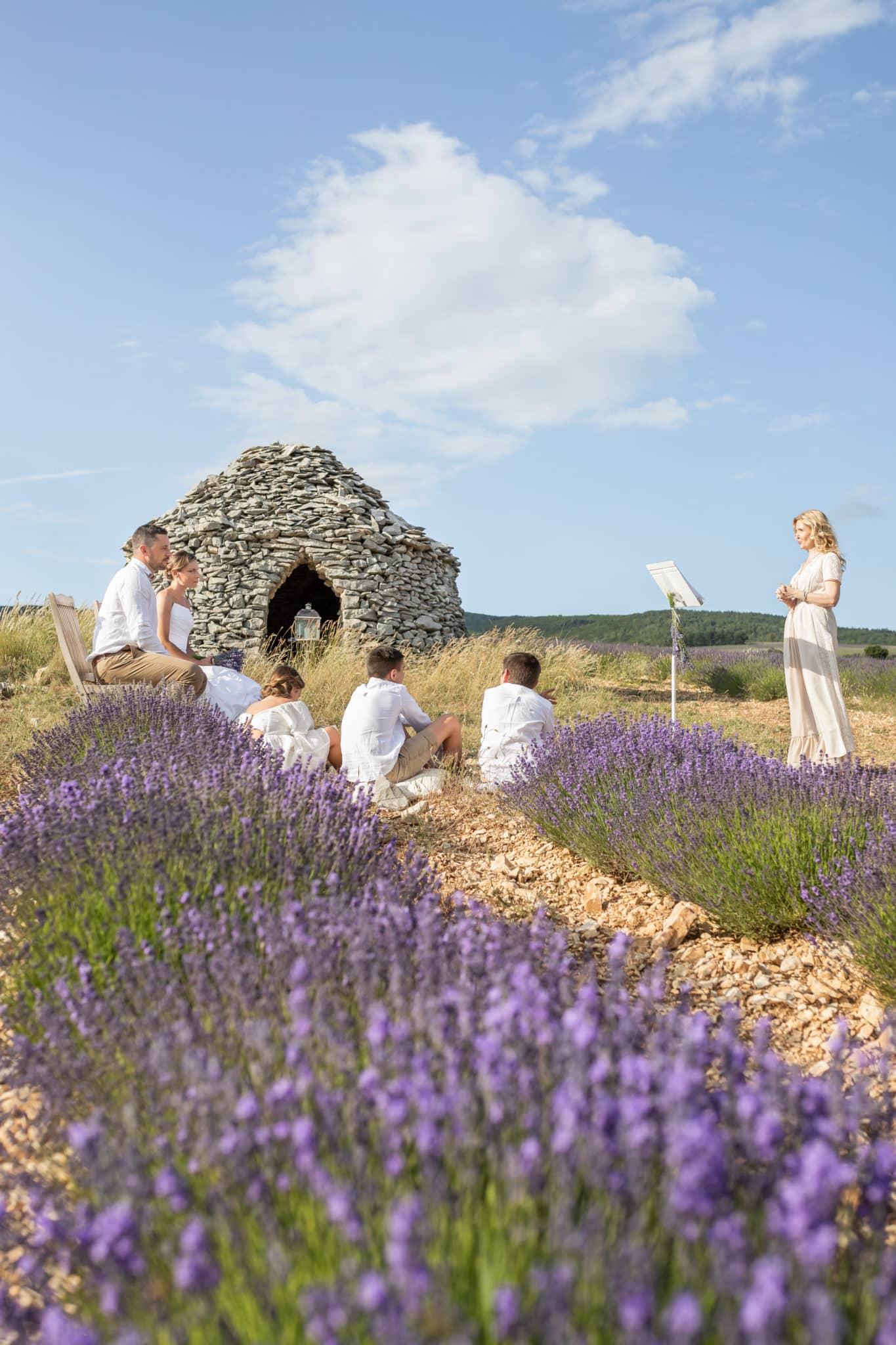 Mariage intime elopement et renouvellement de vœux en Provence