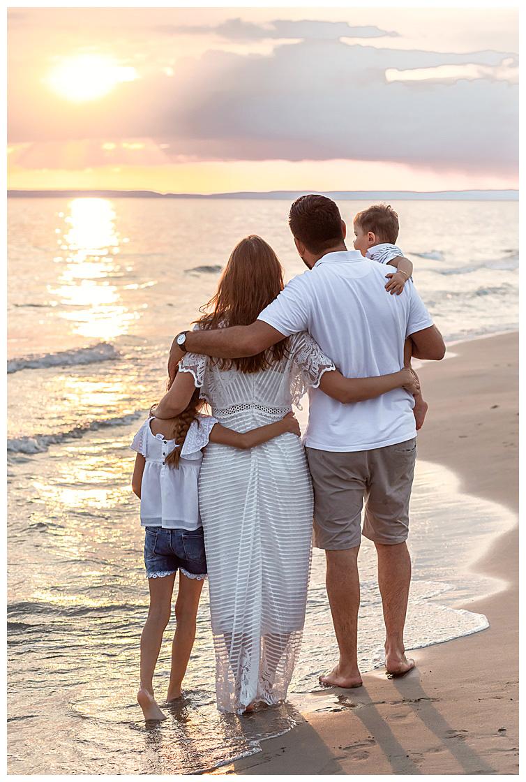 Marie Calfopoulos Photographe famille seance photo Provence camargue plage grau du roi